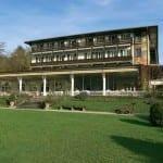 Aussenansicht Golfhotel Kaiserin Elisabeth Feldafing am Starnberger See im Fünfseenland Bayern