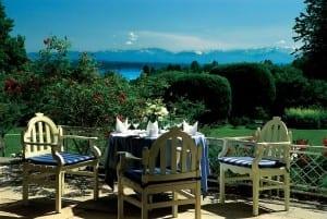 Terrasse des Golfhotel Kaiserin Elisabeth in feldafing Starnberger See mit Blick auf den Starnberger See und die Alpen