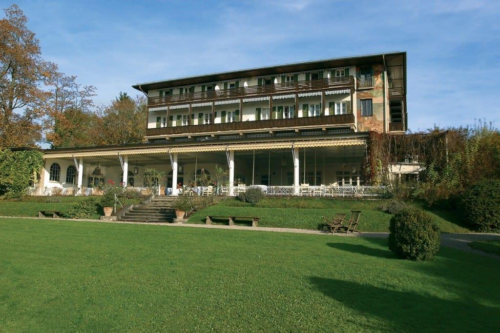 Hausansicht Golfhotel Kaiserin Elisabeth, Starnberger See