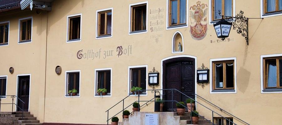 Der Eingangsbereich zum Posthotel Pöcking am Starnberger See, Fünfseenland Oberbayern