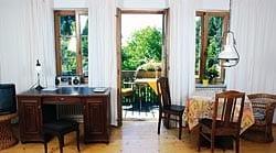 Thamm Ferienwohnungen am Ammersee - Ansicht des Wohnbereichs einer Ferienwohnung im Landhaus in Herrsching am Ammersee