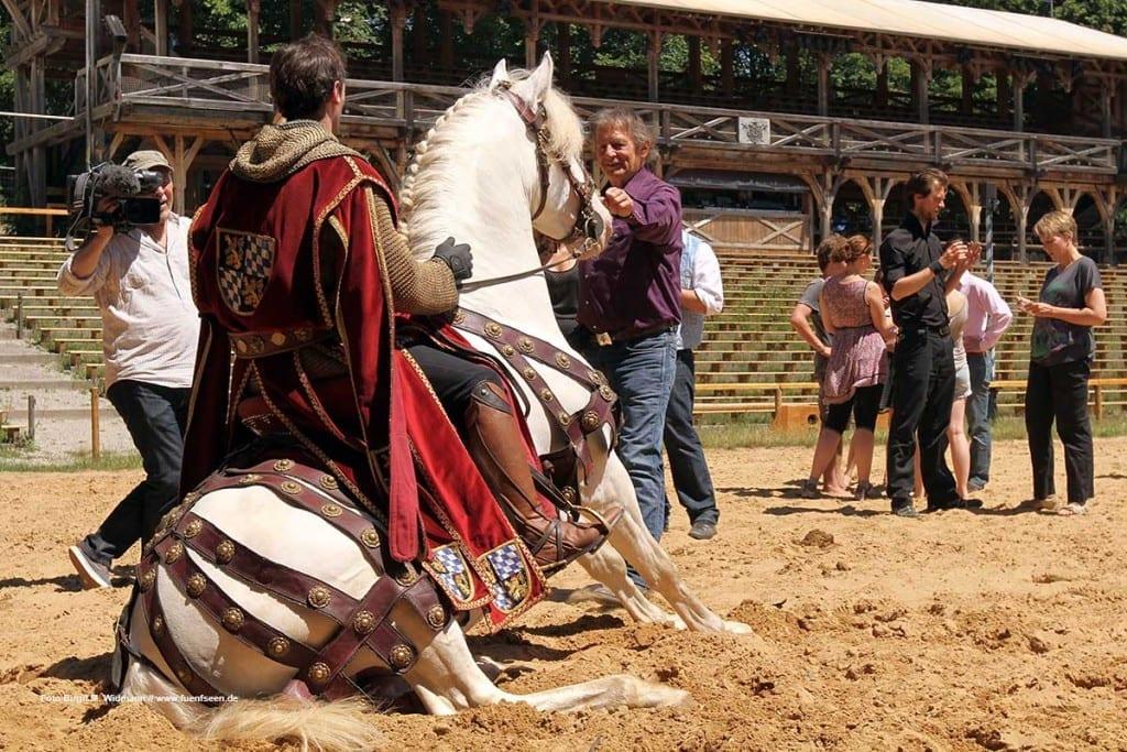 Mario Lurachi mit seinen Pferden