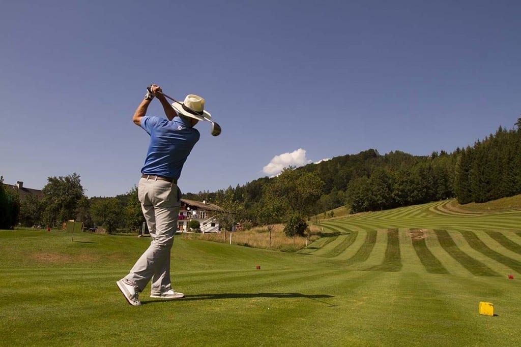 Golfpro auf dem Golfplatz Waldhof