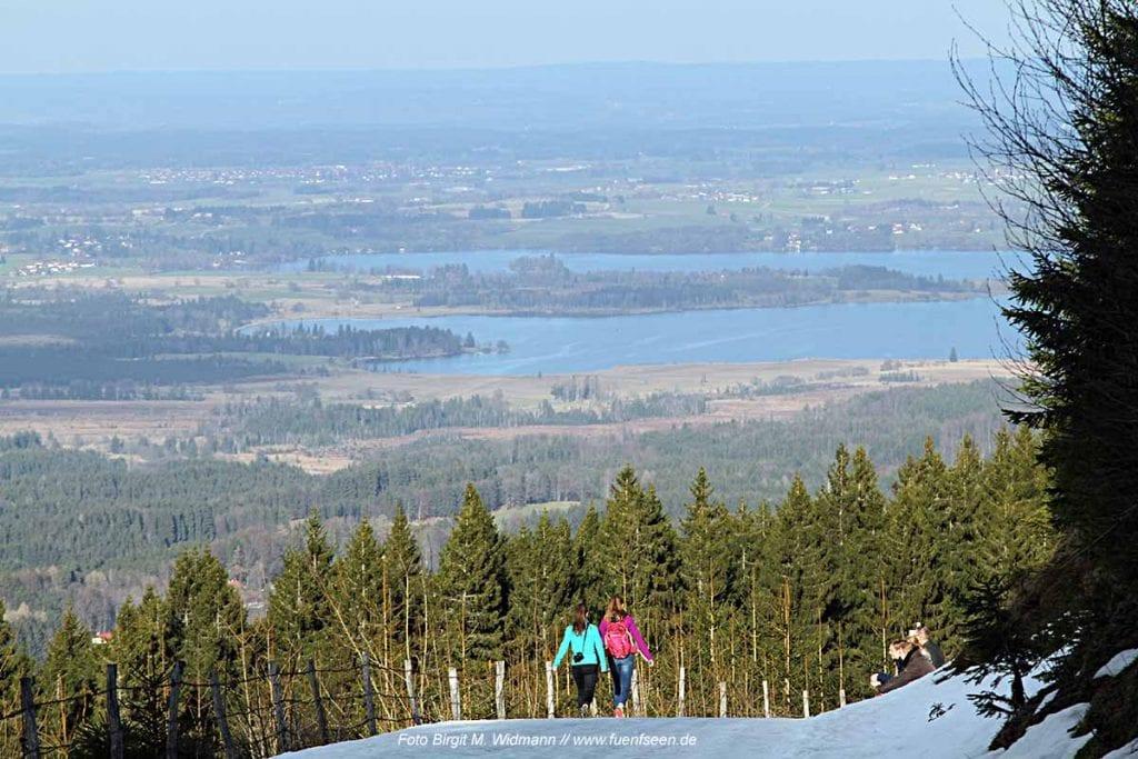 Ausblick auf das Tal vom Hörnle auf dem Winterweg